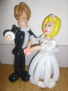 Balloon twister / balloon modeller weddings
