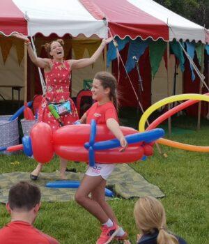 big balloon show